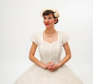 لبا س عروس ,قدیمی ترین لباس عروس ,,کرج, تهران,کرج