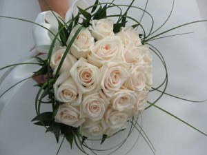 دسته گل عروس,دسته گل قرمز,دسته گل عقد,دسته گل زیبا,دسته گل رز سفید ,دسته گل نامزدی, دسته گل خواستگاری