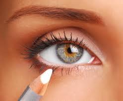 چشم خود راچگونه بزرگتر کنیم,کرج,بزرگتر دیدن چشم با لوازم ارایش,کرج,مدل بزرگتر کردن چشم با کشیدن مداد,کرج تهران کرج