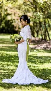 تهیه لباس عروسی با روش عجیب