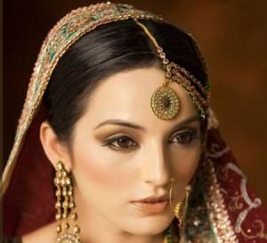 میکاپ عروس هندی,به روز ترین عروس,جدید ترین عروس هندی,به روز ترین آرایش عروس,زیبانرین عروس هند,مدل آرایش هندی,خط چشم هندی عروس,رژلب قرمز عروس,عروس زیبا,عروس,کرج,تهران,کرج