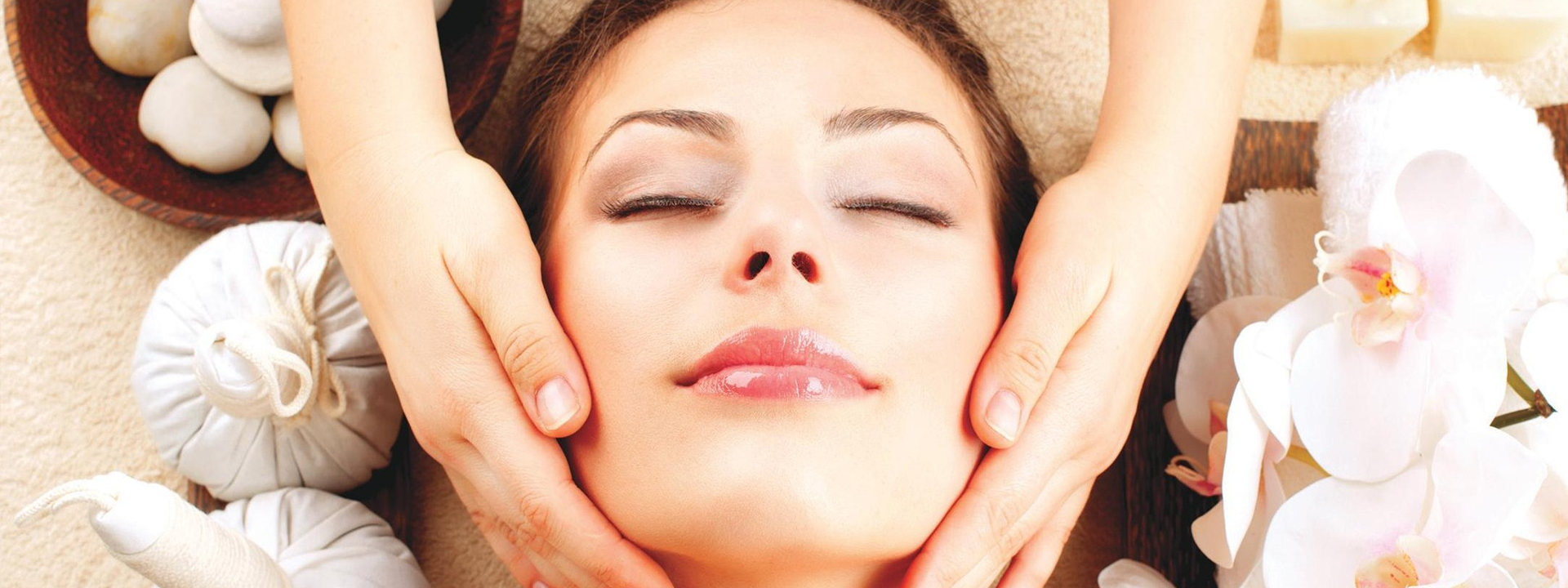 خدمات پوست صورت و زیبایی و خدمات مراقبت های پوستی در تهران