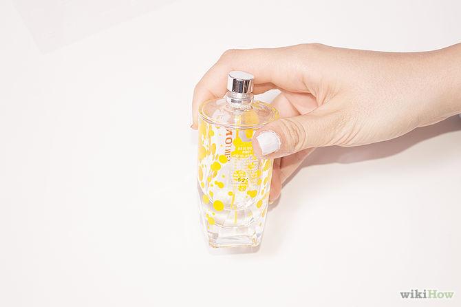 استفاده از عطر برای پاک کردن لاک